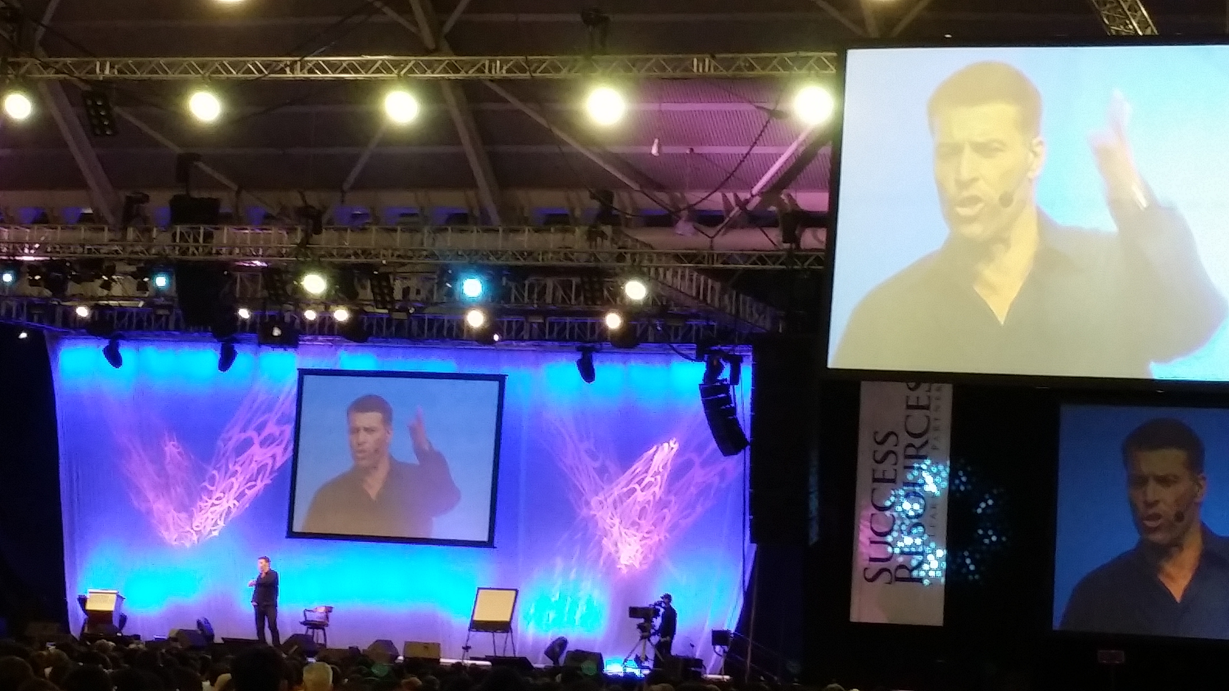 3 Lessons from Tony Robbins' Total Success Course 2015 @ Singapore Expo